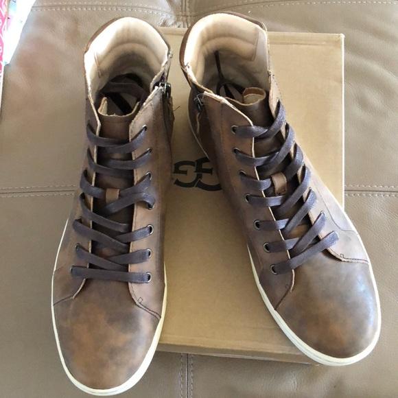 30477a54bdc UGG Gradie High Top Sneakers, brown